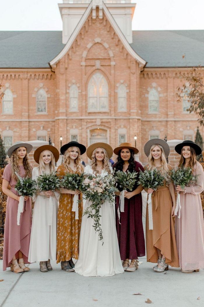 noiva e damas de honor de chapéus estilo boho