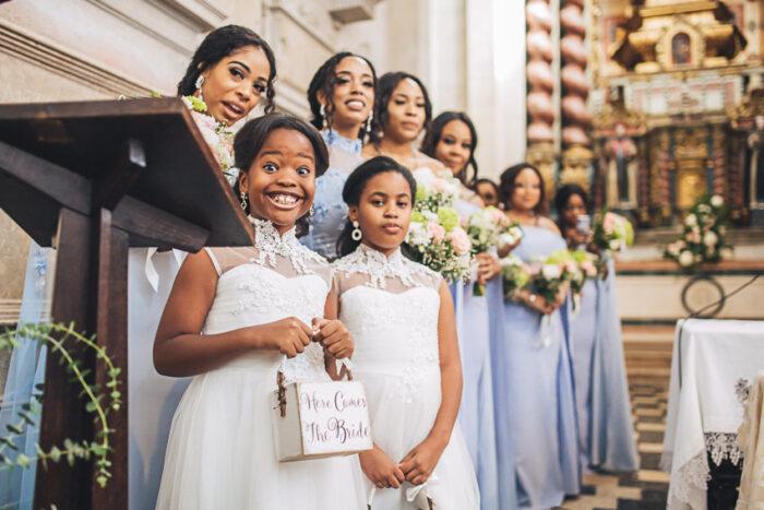 crianças na igreja casamento foto aguiam wedding photography