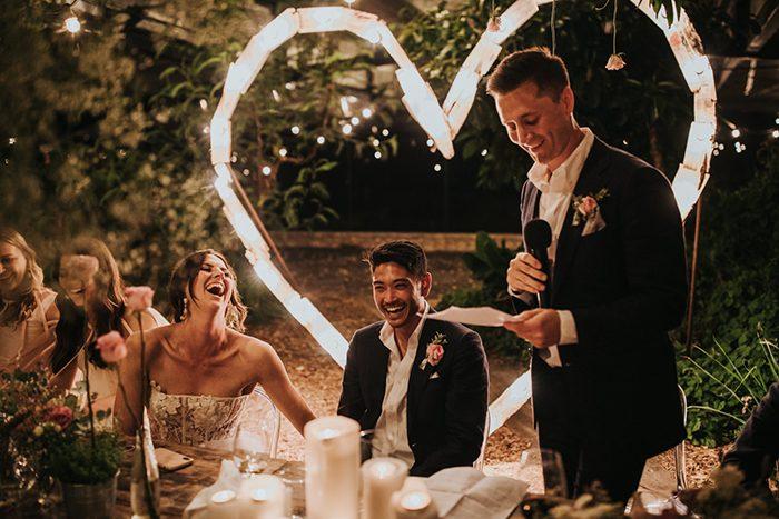 Padrinho a fazer o seu discurso de casamento