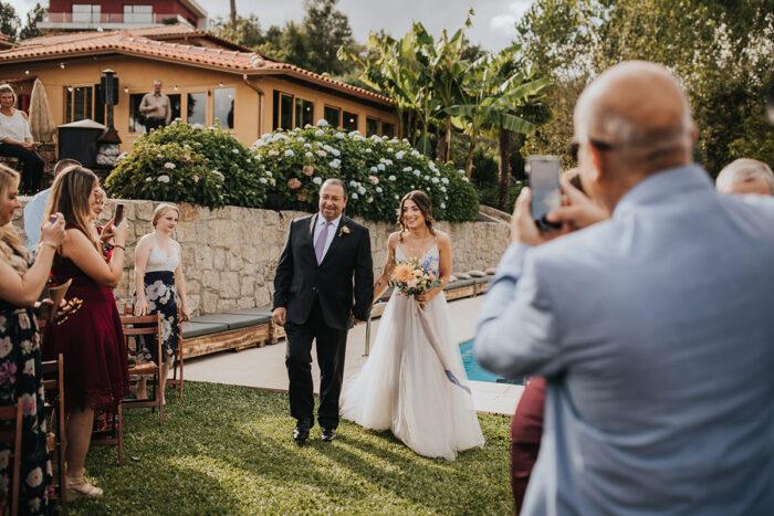 entrada da noiva cerimónia de casamento