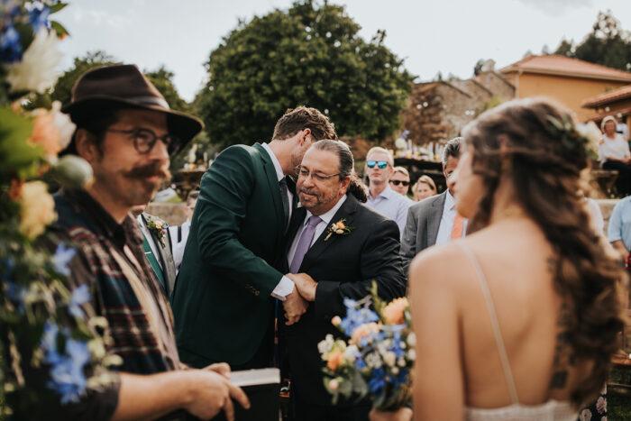 entrada da noiva noivo pai casamento cerimónia