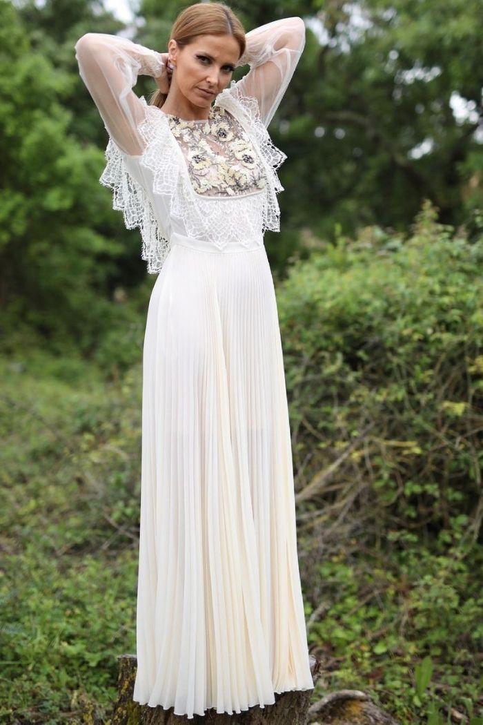 Cristina Ferreira com vestido branco Elisabetta Frenchi