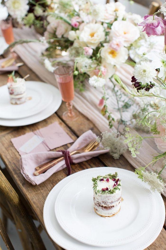 Foto SARAH HANNAM bolos de casamento miniatura