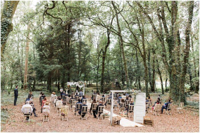 casamento rústico no meio da floresta