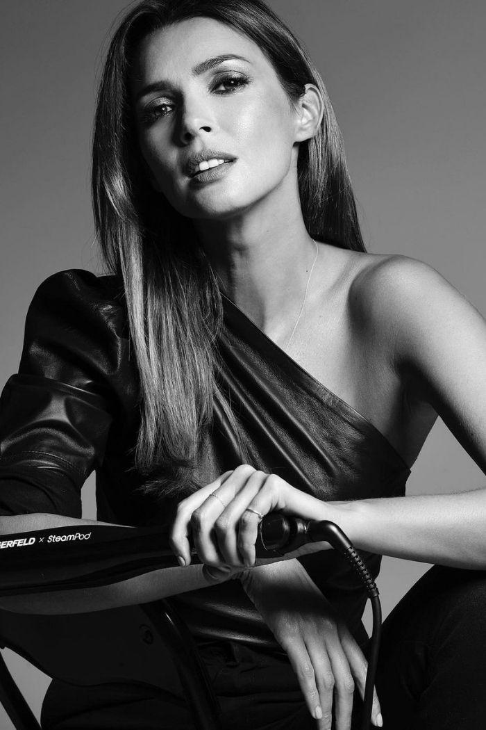 foto preto e branco sensual de maria cerqueira gomas